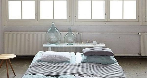 3-bed-made-from-pallets-cheap-furniture