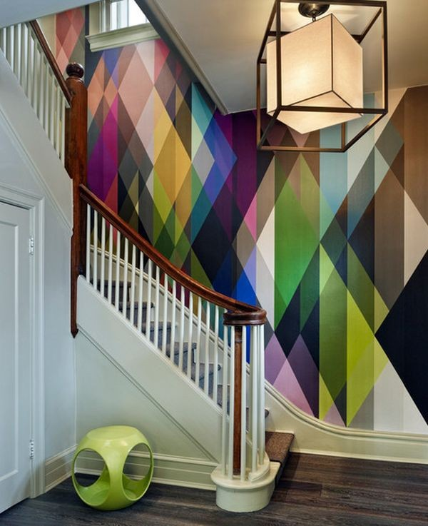Geometric-accent-wall-for-staircase