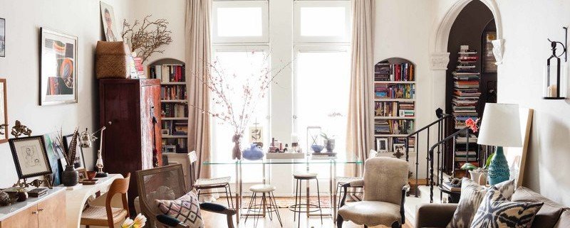 7To-many-pieces-of-furniture-for-living-room