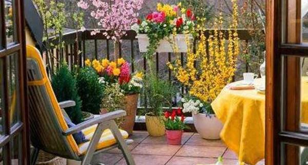 1Small-Balcony-Garden-ideas-11