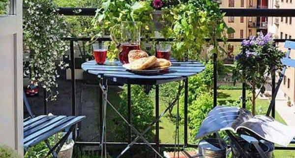 2Small-Balcony-Garden-ideas-2
