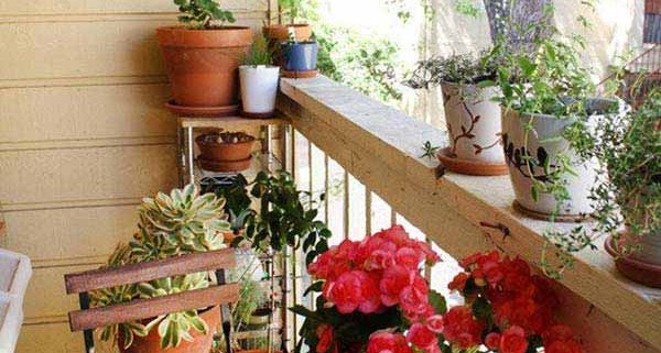 3Small-Balcony-Garden-ideas-3