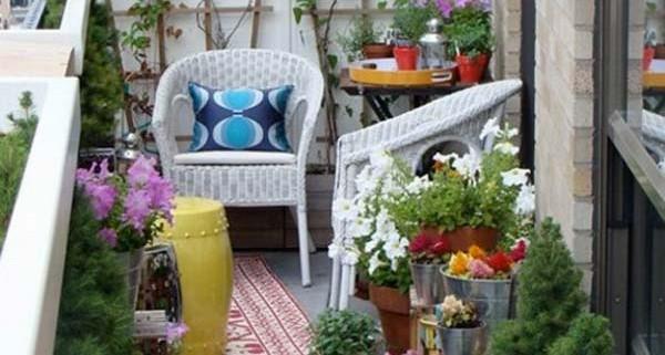 4Small-Balcony-Garden-ideas-4